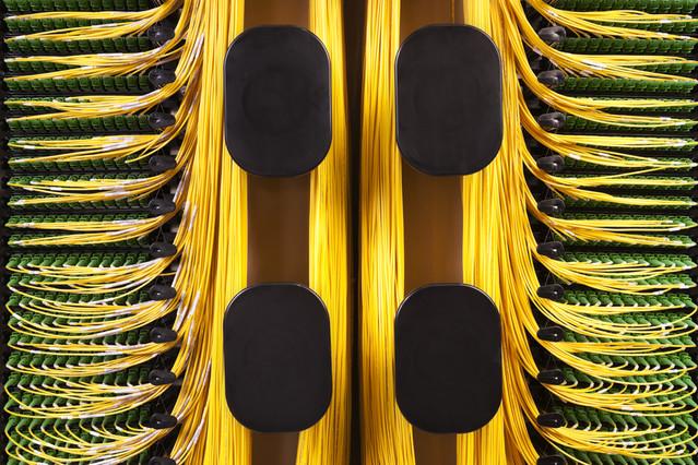 Fieldsmart fiber crossover high density distribution